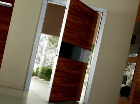 puerta con apertura de 180 grados todo sobre puertas